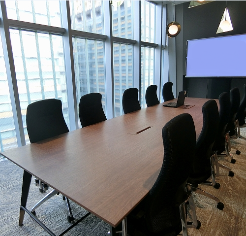 office rooms. This Shared Office Located In Roppongi (六本木), Minato Ward Has Several Types Of Working Space. There Are Rooms For Rent Which S